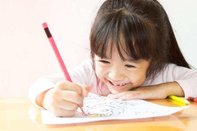 5 Alasan Pentingnya Belajar Menggambar Bagi Anak, Moms Sudah Tahu?