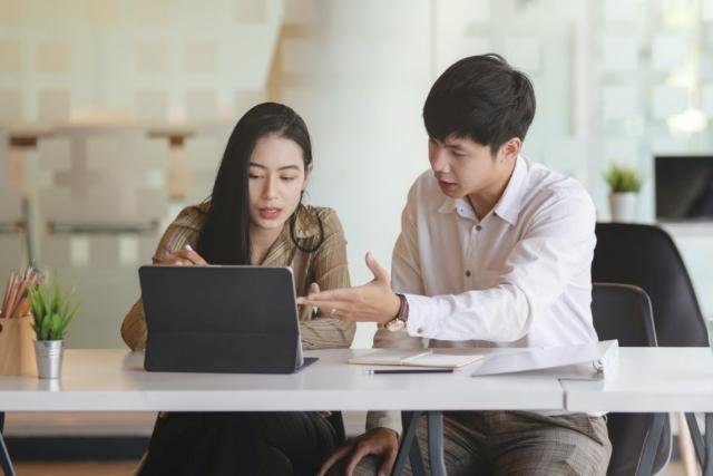 5 Trik Jitu Hadapi Masalah di Dunia Kerja. Jangan Putus Asa Duluan Ya!