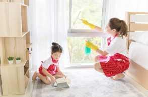 5 Tips Membersihkan Rumah Bareng Keluarga, Dijamin Seru Lho