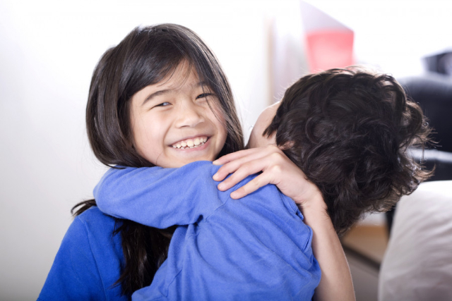 5 Fakta Anak Kedua, Sering Dibilang Paling Berbeda dari Saudara Lainnya Lho