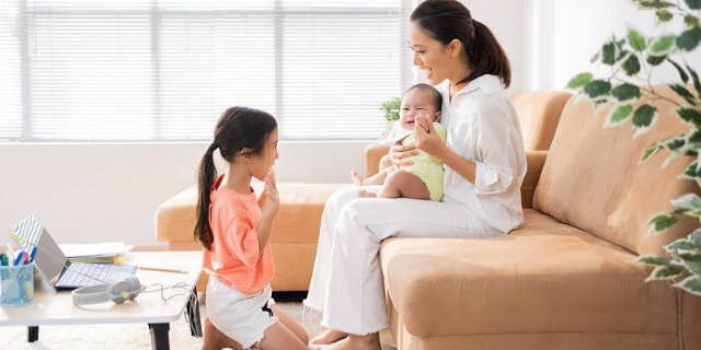 3 Cara Hadapi Rintangan Jadi Orangtua Selama Pandemi