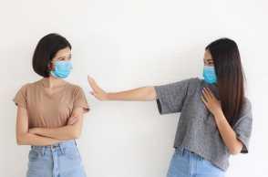 Alasan Jaga Jarak Jadi Protokol Kesehatan 5M yang Wajib Dipatuhi