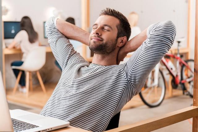 6 Tips Tetap Semangat Selama WFH, Bikin Makin Aktif dan Produktif
