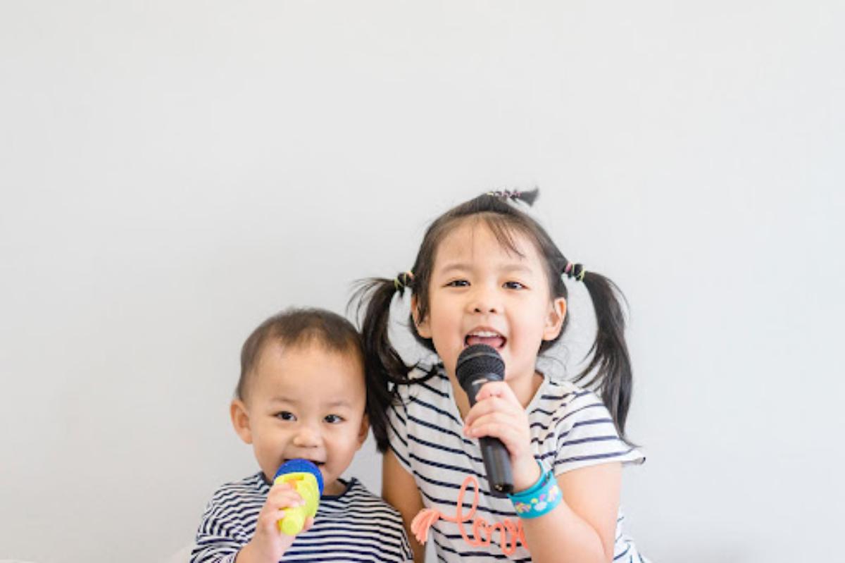 Deretan Rekomendasi Lagu Anak-Anak, Penuh Edukasi Lho, Moms!