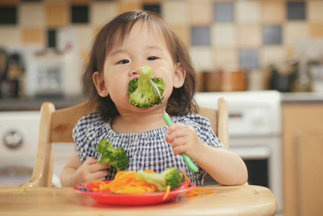 5 Cara Memilih Suplemen Vitamin Anak, Wajib Diperhatikan!