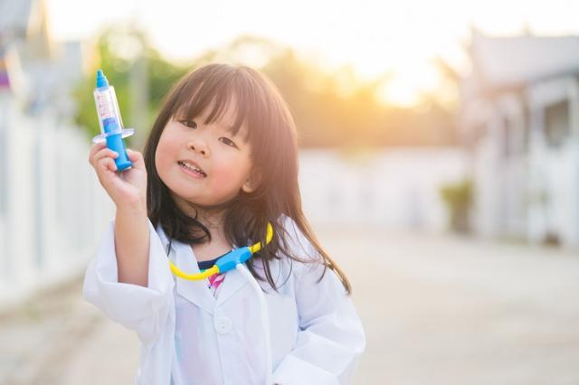 6 Manfaat Membacakan Cerita Bergambar, Bantu Tumbuh Kembang Anak